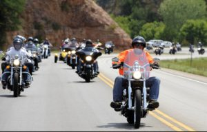 motorcycle-rally-597914_960_720-300x192